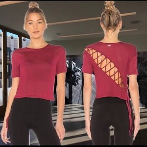 NWT ALO YOGA ENTWINE TOP Large Red